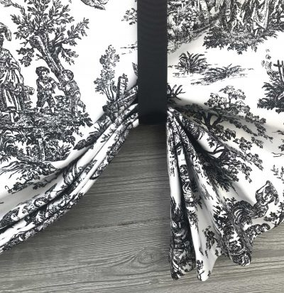 Colonial (French Toile) Tailed Balloon Valance